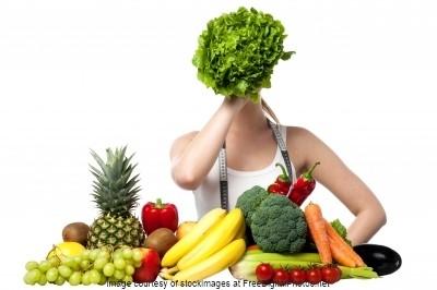 smoothie gesund rezept ernährung ohne zucker getränke gemüse nährstoffe zutaten grüner smoothierezept