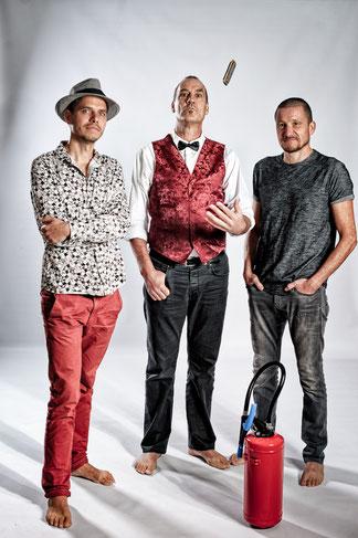 Le Trio Barefoot Iano ce dimanche soir sous la tonnelle de la Gélinotte. A ne pas louper !