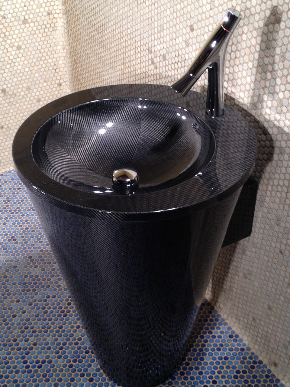 NR Exclusive Carbon Fiber Design-- Self Supported Vanity (Side View)