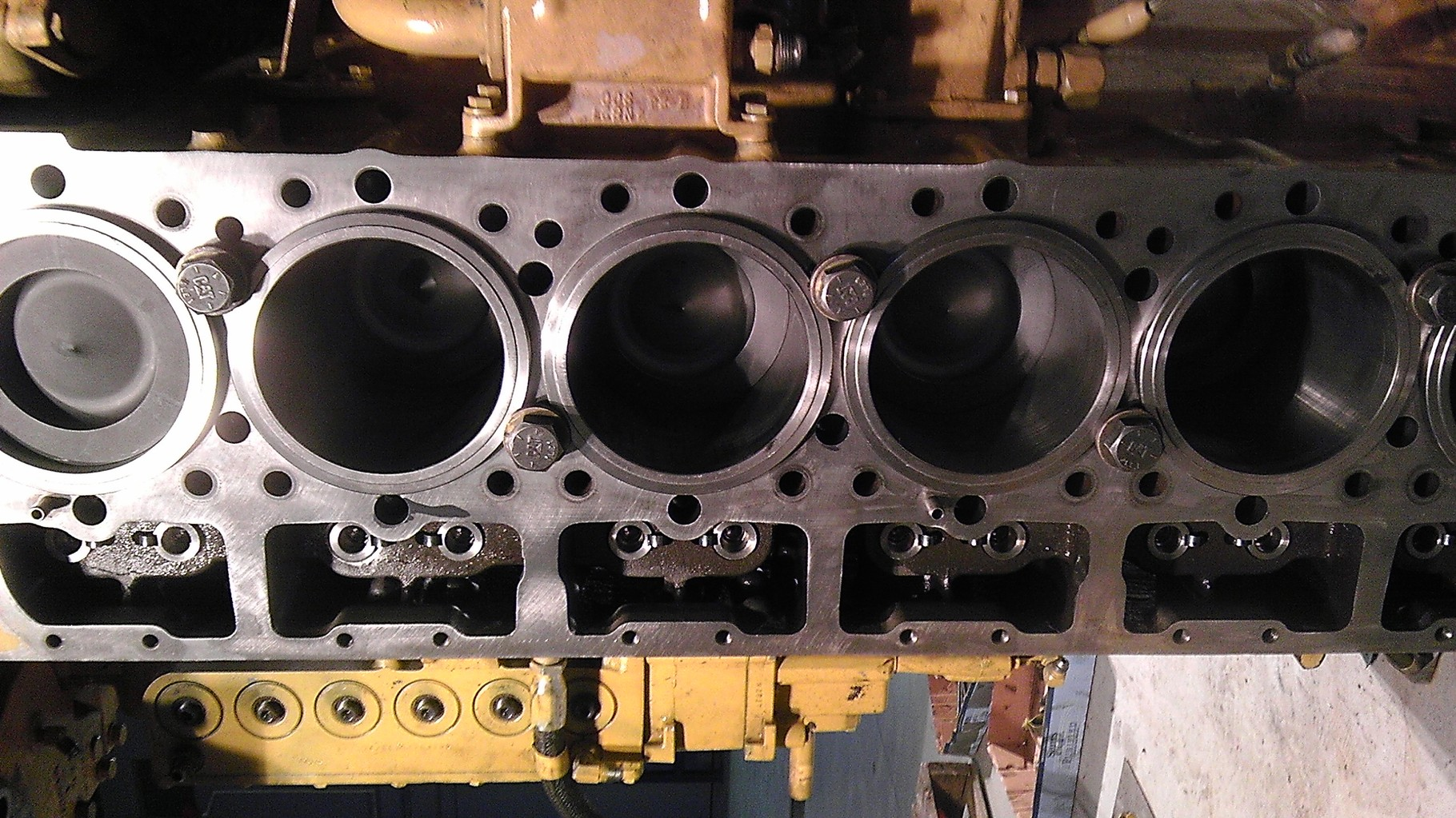 CAT Engine 15.0L Displacement NR Non-Metal Ringless Ceramic Piston Conversion