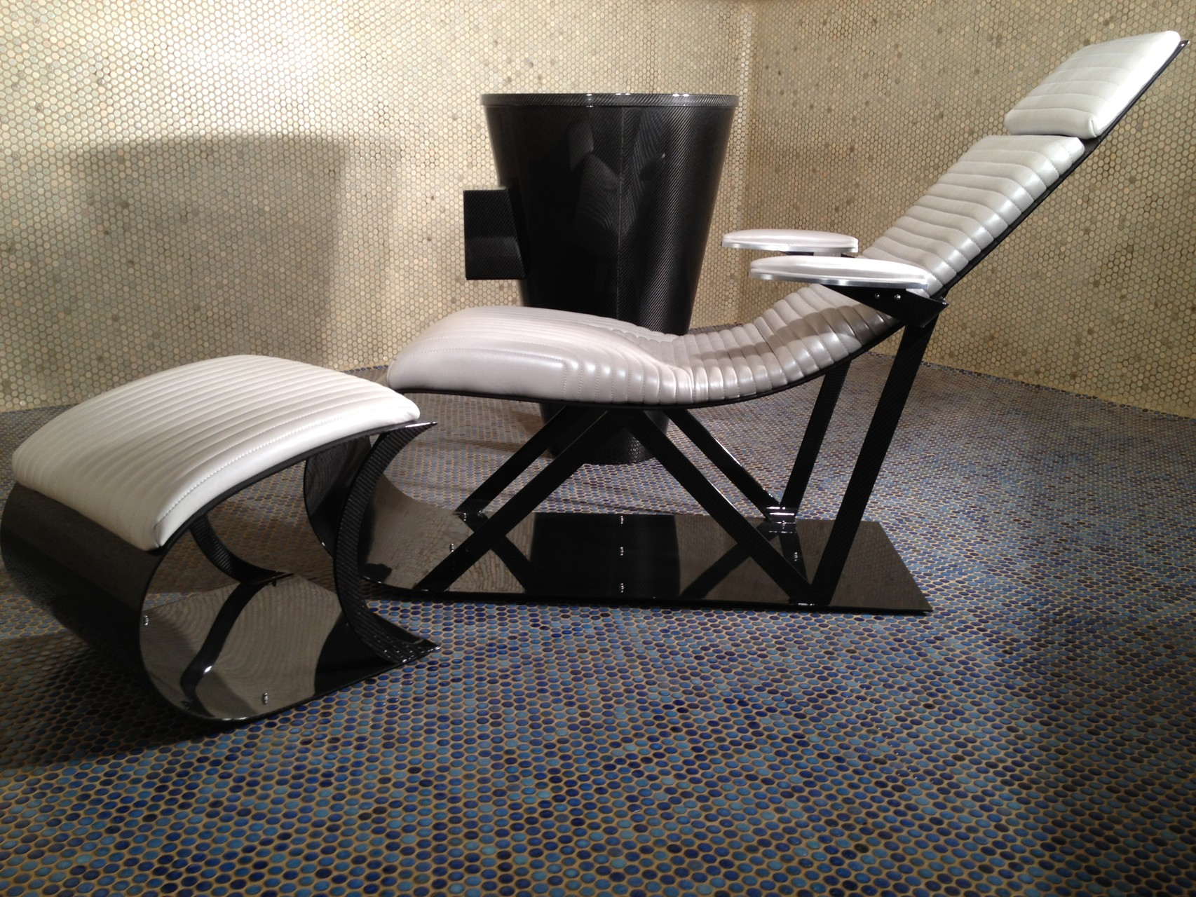 NR Exclusive Carbon Fiber Design Lounge Chair