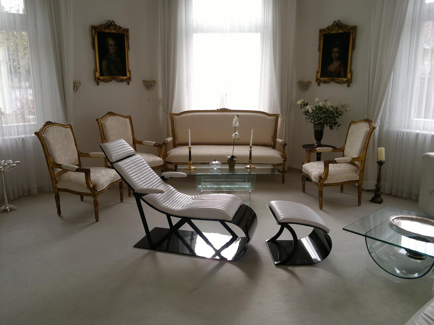 NR Exclusive Carbon Fiber Design Lounge Chair--Timeless Design