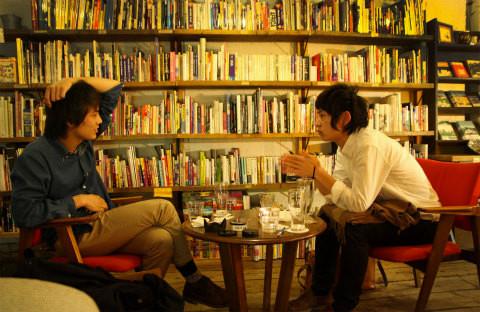 一年前、初めて星君( 写真右 )と出会ったときの写真。撮影 山本博文