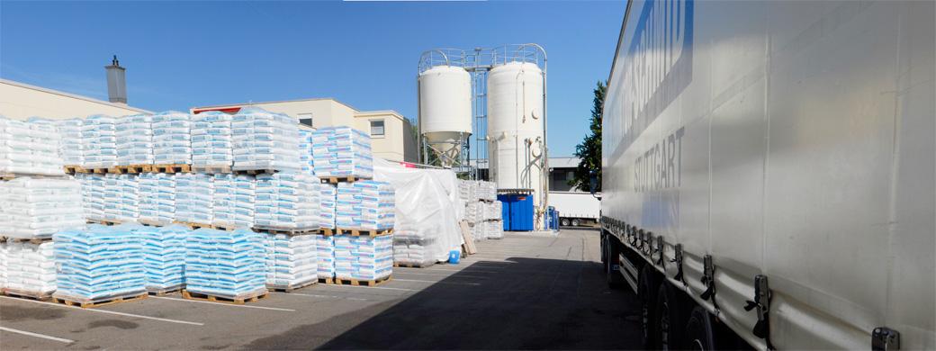 Firmengelände Salz Großhandel Stuttgart - für Kommunen, Gemeinden und Städte in Baden-Württemberg. Salzkontor Schmid in Stuttgart Fellbach.