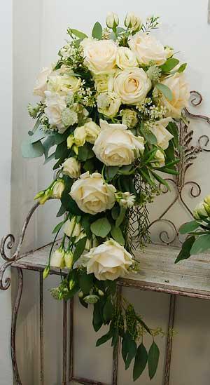 Bridal bouquet cascade style vienna
