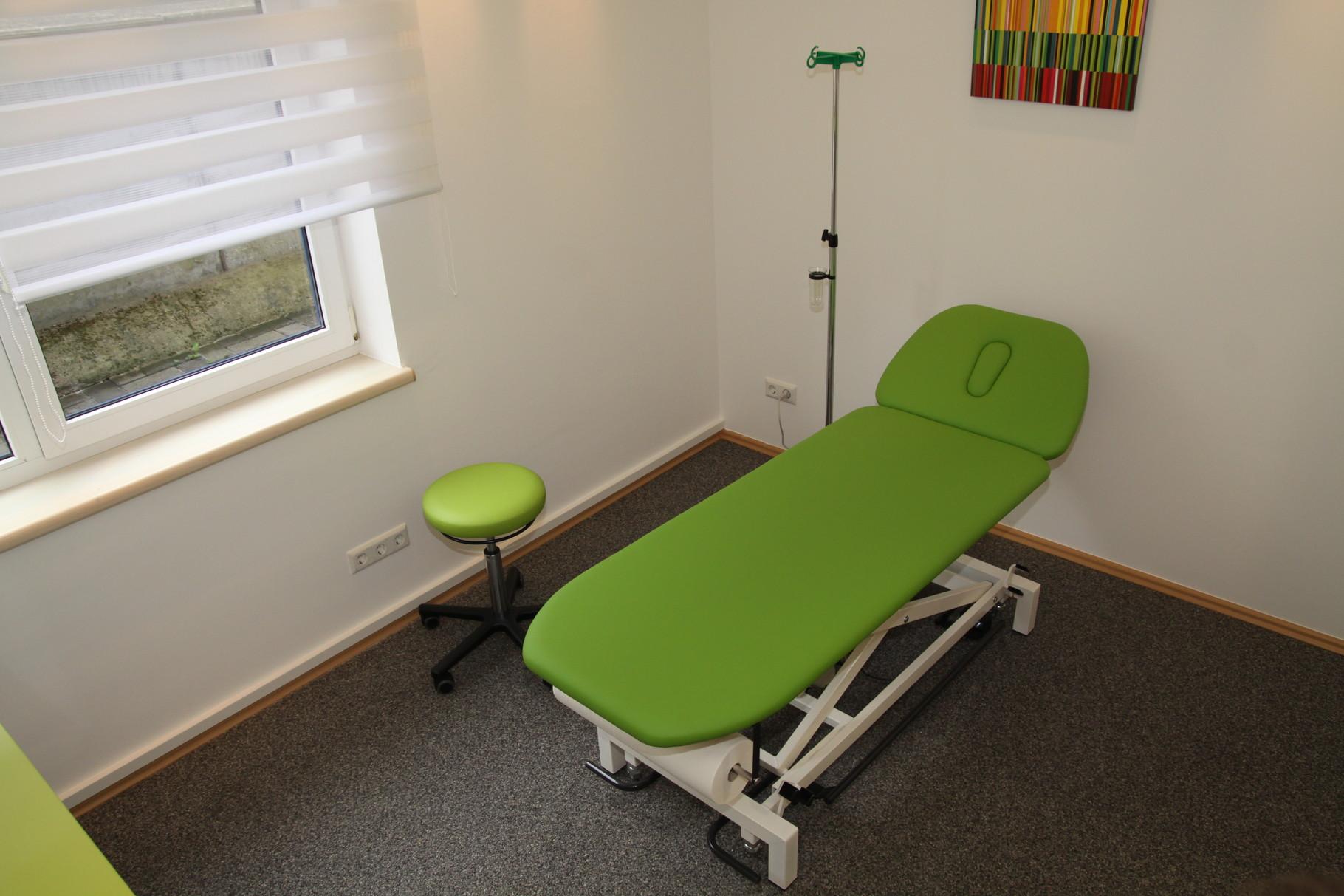 Liege im Behandlungsraum