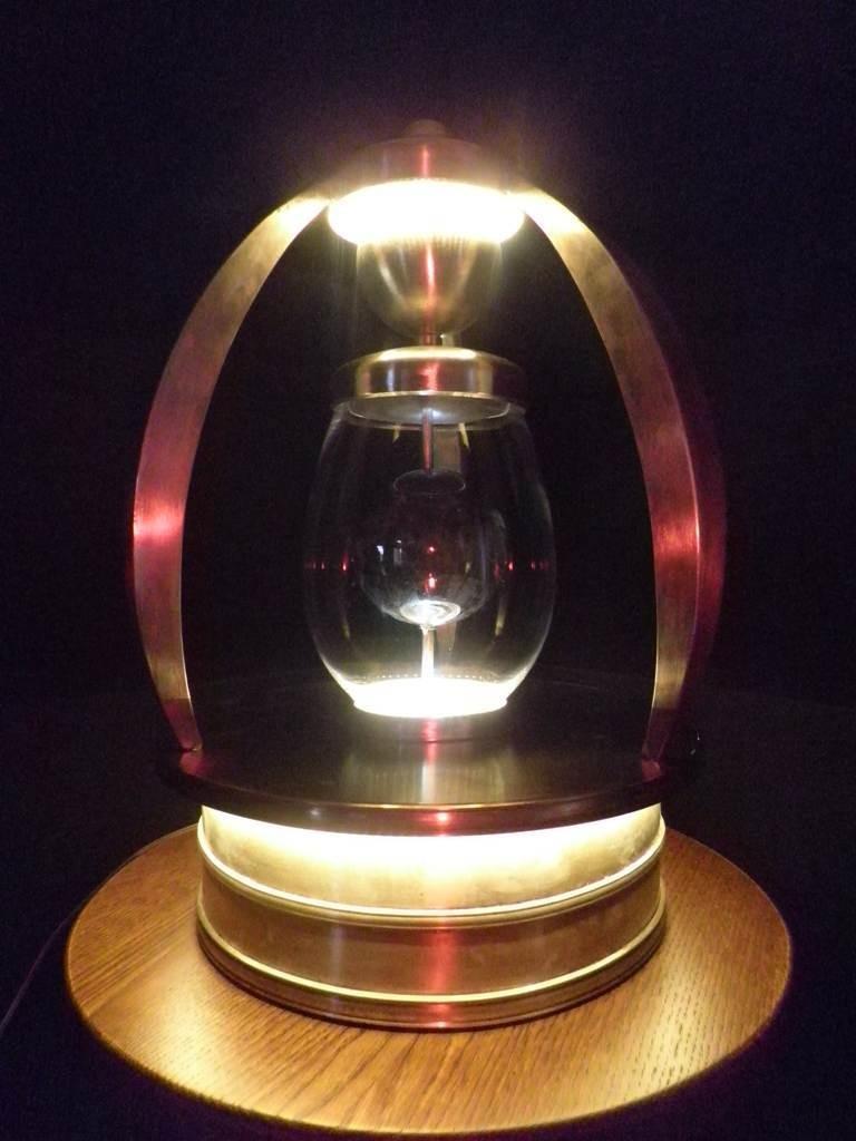 Lumi, la lampada di Nicola Russo. SELEZIONATO A MATERIE 2012