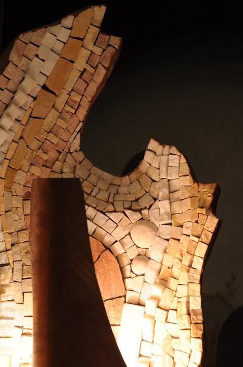 Particolare della lampada in mosaico di Giorgia Palombi