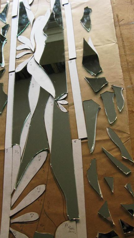 LA TECNICA TIFFANY. Step 3: Posizionamento dei pezzi
