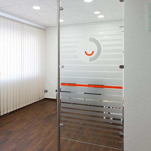 Design und Herstellung des Patientenwartebereichs einer Zahnarztpraxis (Design: Linden | Boje)
