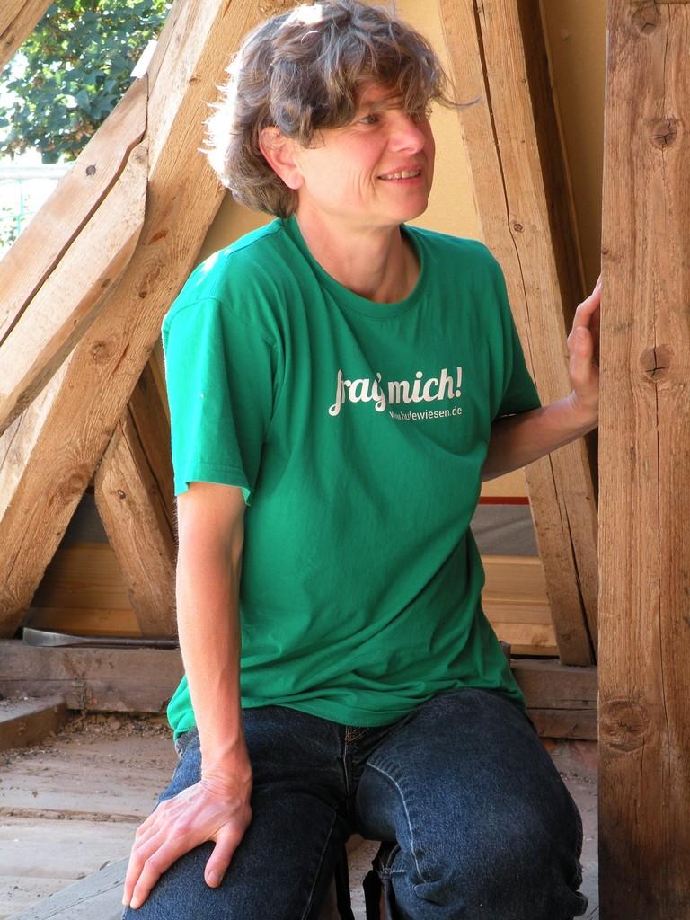 Der Spruch auf dem T-Shirt war Programm. Wir fragten und bekamen fachweibische Auskunft von Anja.