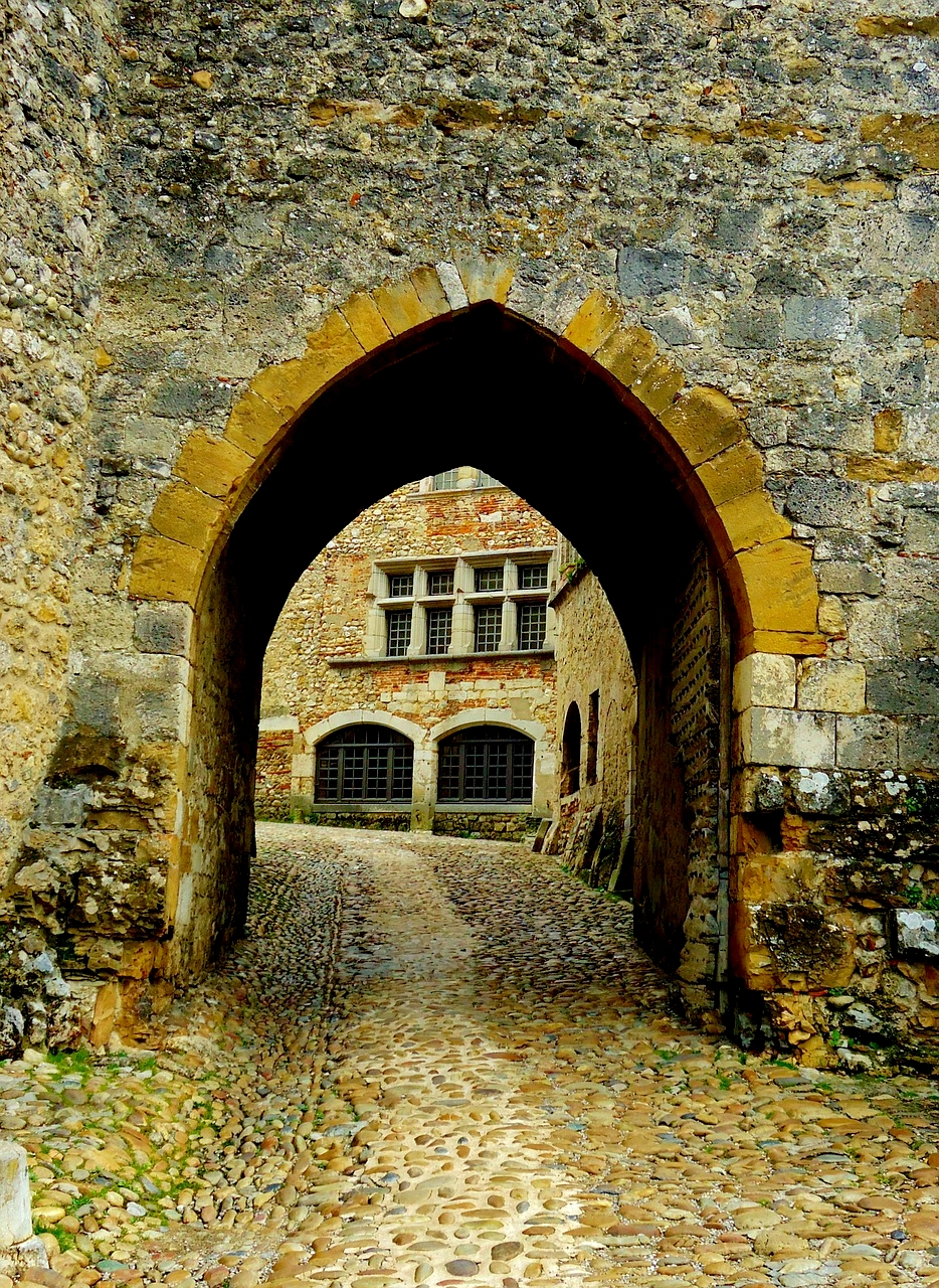 Porte médiévale à Pérouges