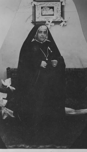 Madre Rosario en su habitación