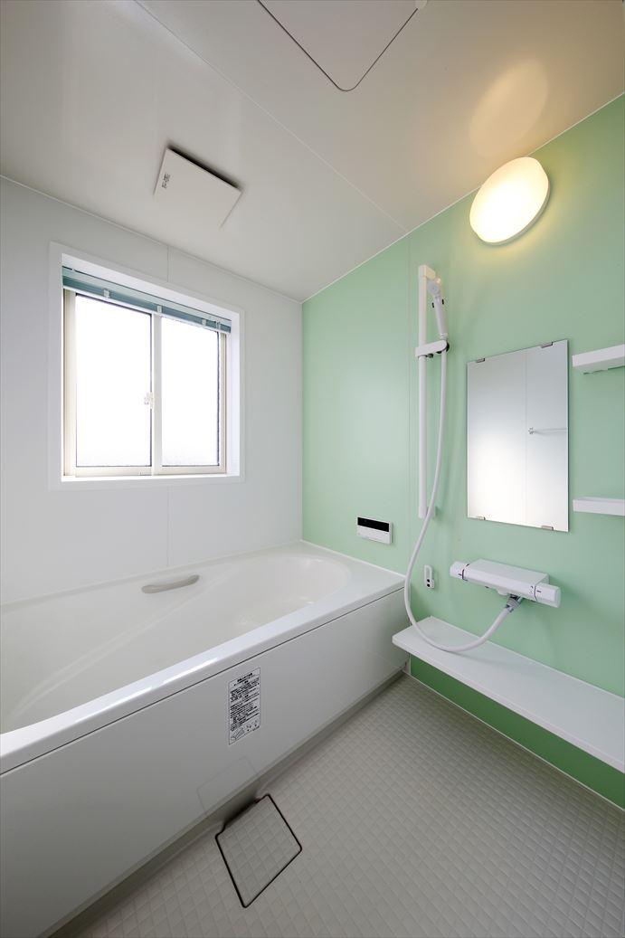 清潔感あふれるお風呂です