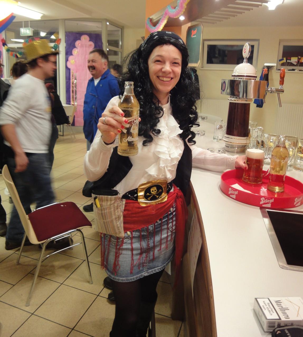Piratenkellnerin