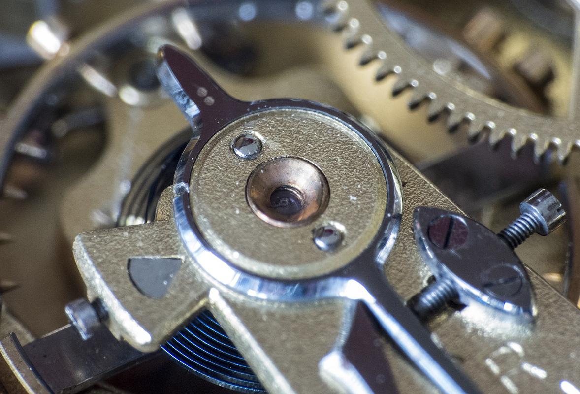 Präziser Uhrmacher-Service