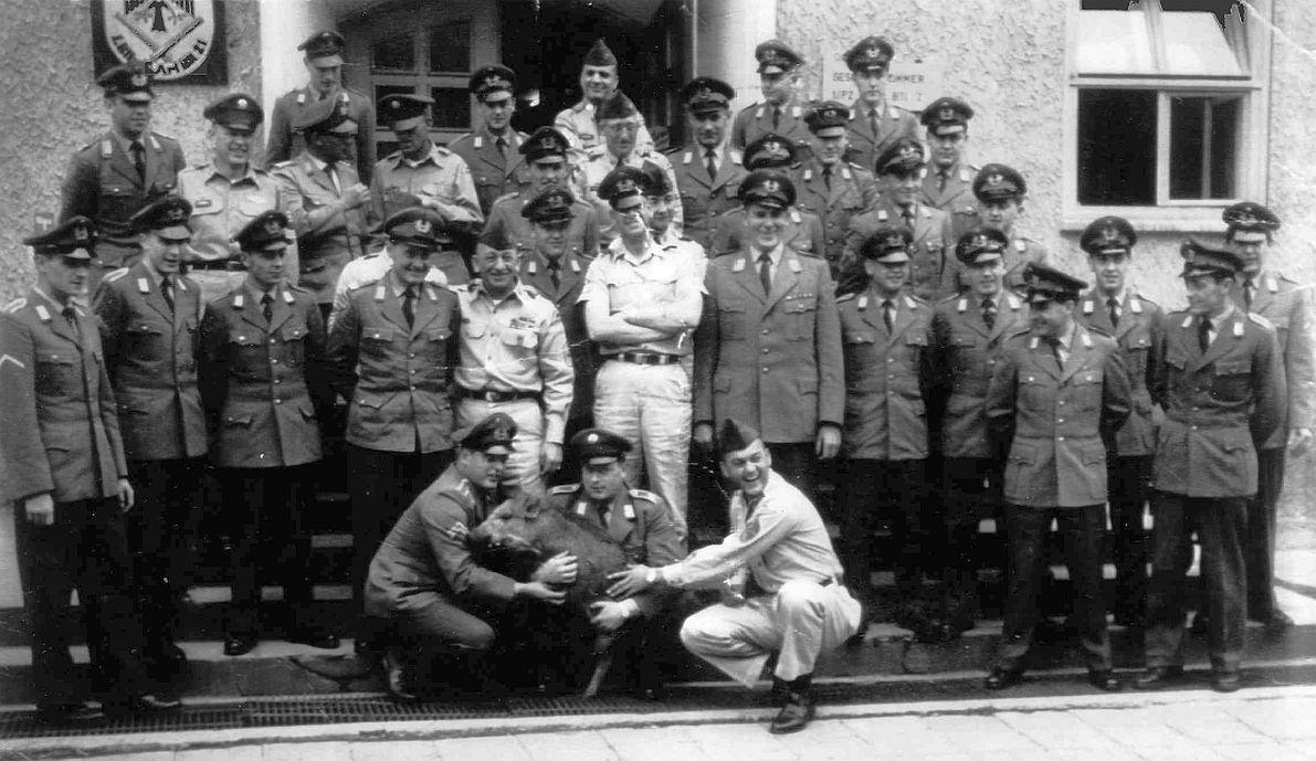 """1962 Wildschwein """"ROSI"""" mit StUffz Lückemeier_KpFw HFw Alfred Bartsch_ amerik. Kamerad und OTL Gerhard Möws Kdr"""