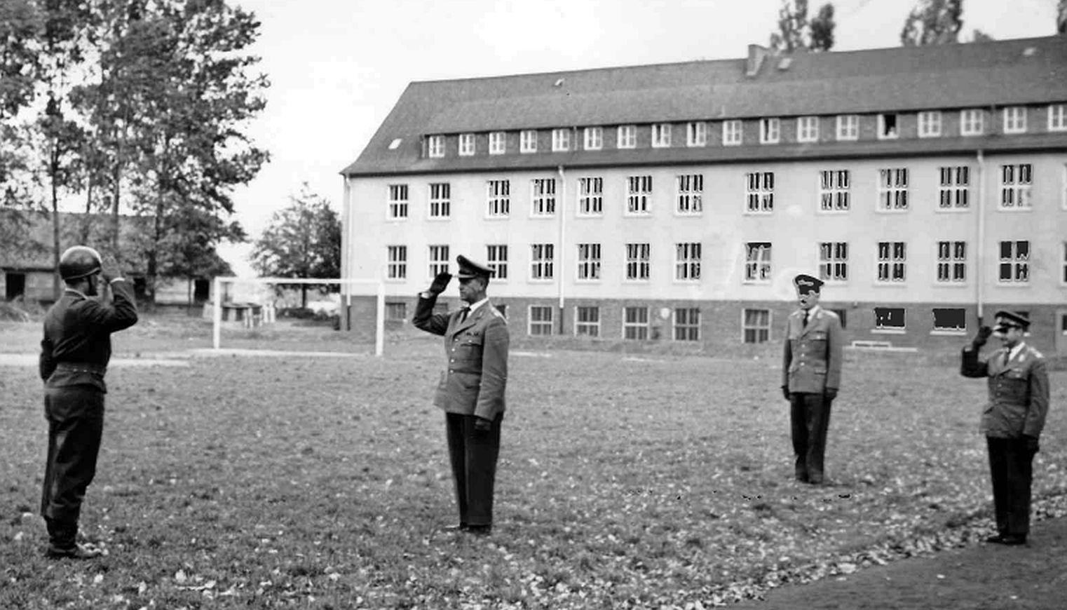 01.10.1958 BrigGen Alfred Zerbel Kdr 2.PzGren Div beauftragt Mj Möws mit der Führung des PzAufklBtl 2
