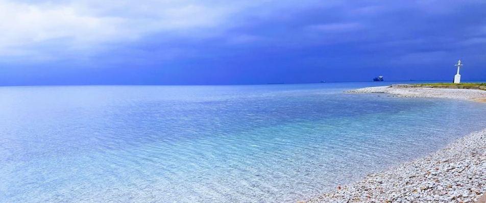 Izola: the lighthouse beach - plaža svetilnika - der leuchtturm strand - la spiagga al faro -  la plage du phare