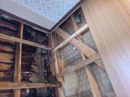 雨漏り修理を行う前の雨漏り被害状況