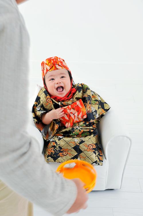 琉球衣装男子百日写真