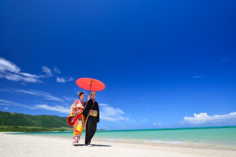 琉球衣装ビーチロケ