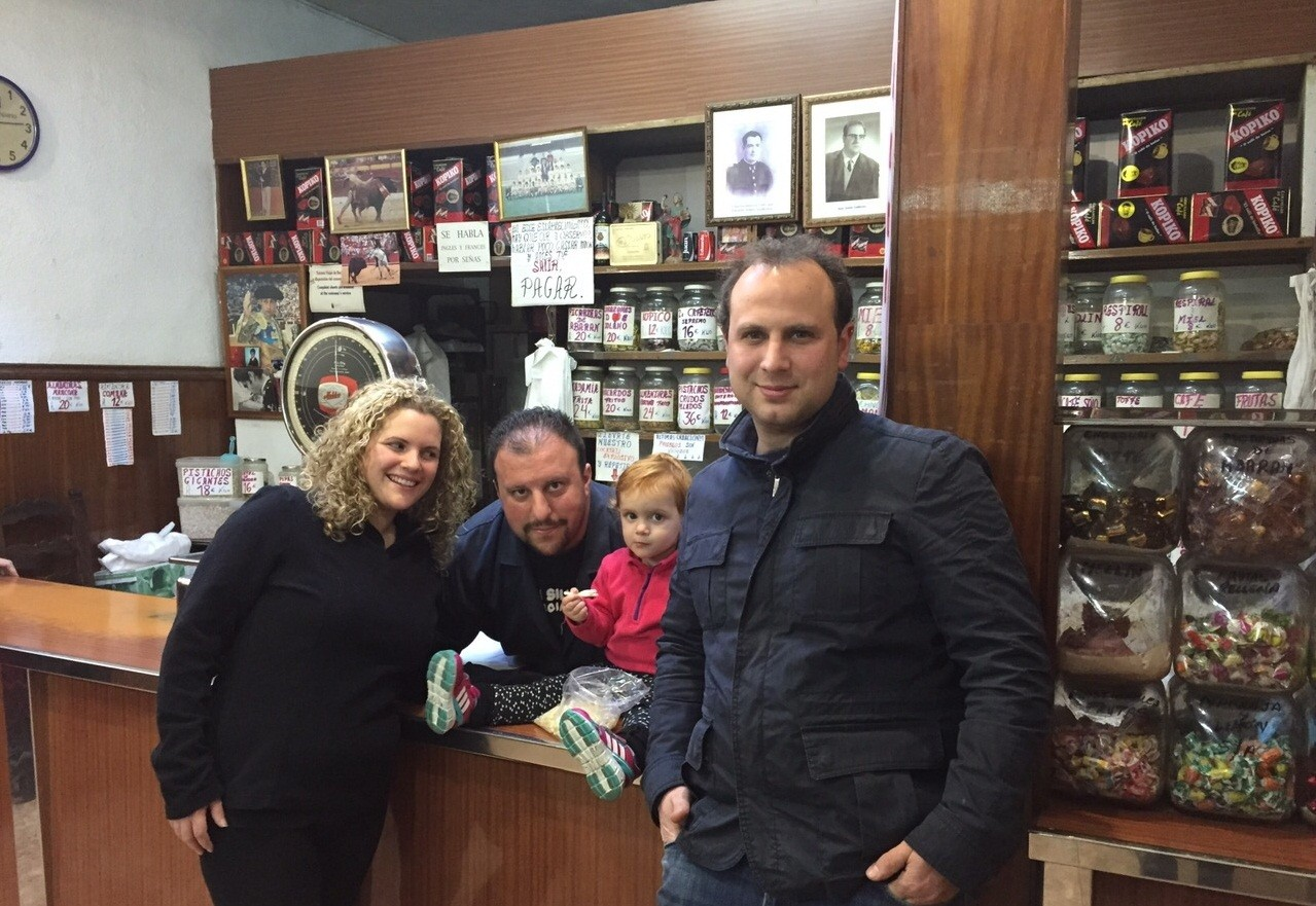 Vicky, Raúl y Daniela. Gran familia y grandes amigos