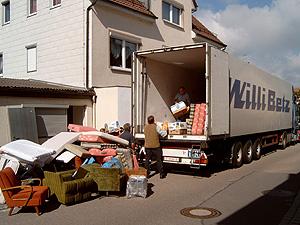 Hilfstransport im Mai 2002