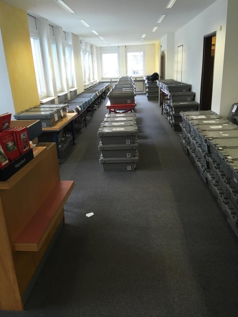 Das Taschenbuchlager im 1. Stock