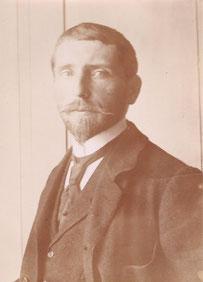 Emil Dill, um 1902