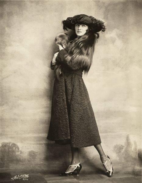 1914 Irene Castle