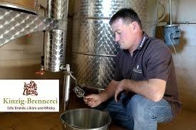 Schwarzwald Gin, Schwarzwald Whiskey, Likör, Edelbrand und typisch badischer Schnaps aus dem Kinzigtal im Schwarzwald, Martin Brosamer, Kinzigbrennerei