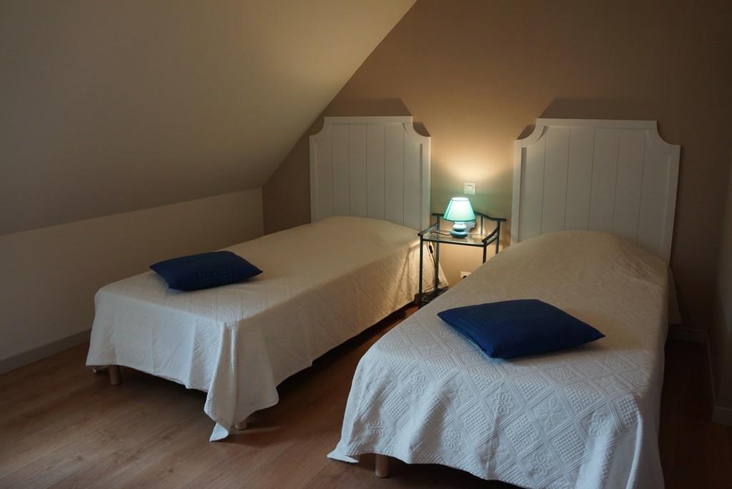 """Chambre """"Elodie"""" avec ses 2 lits simples"""