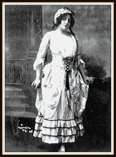 Giacomo Puccini MANON LESCAUT  (Manon)