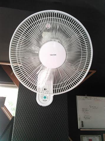 扇風機数台