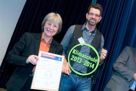 Ernennung zur Klimaschule 2013/14 durch Umweltsenatorin Blankau