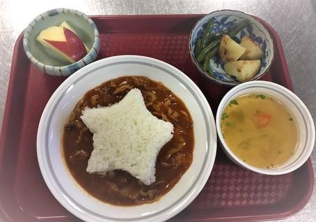 新宿こども食堂ホームページより ある日のメニュー