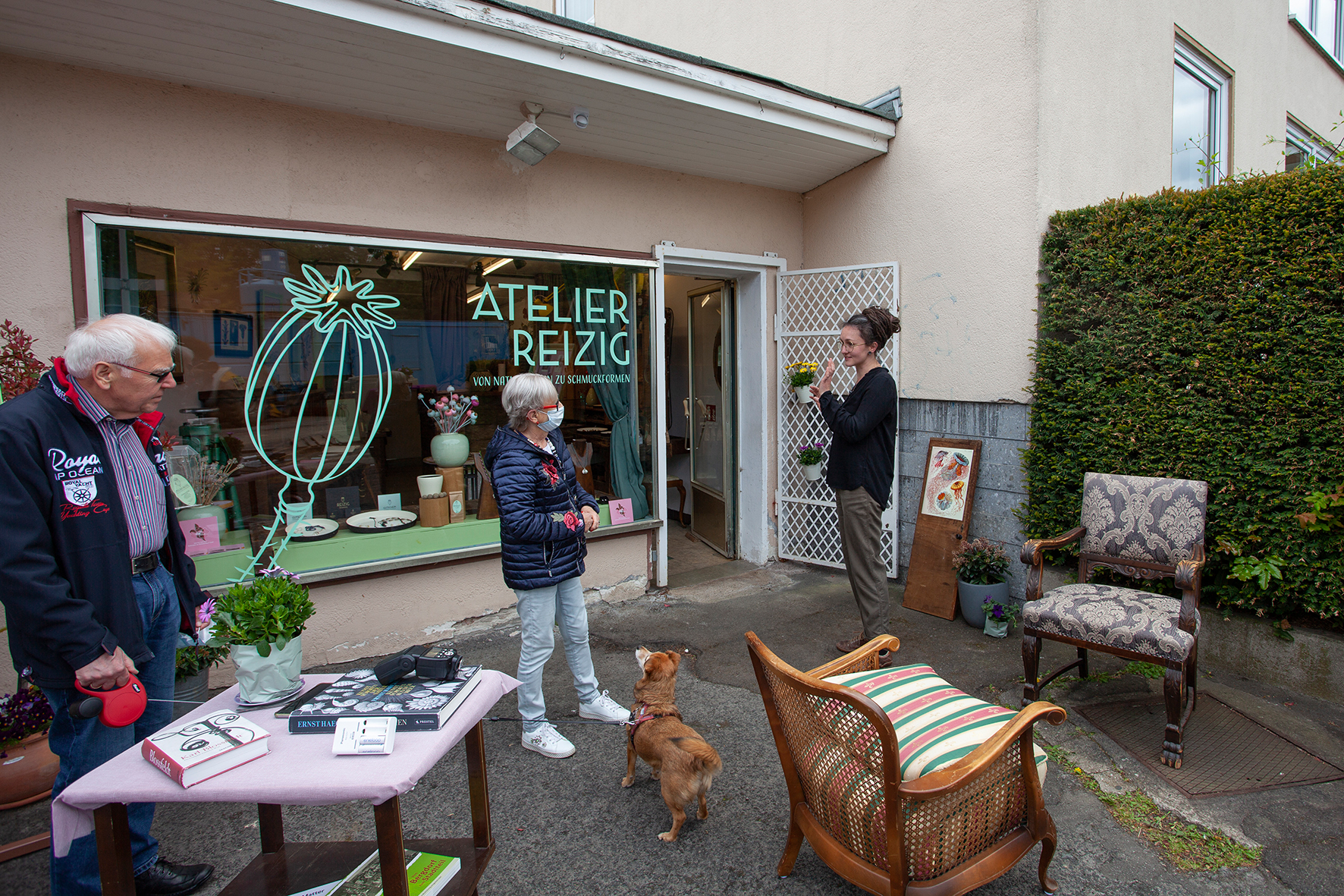 16./17.5.2020, Botanischer Schmuck, Hildesheim Foto: Kevin Momoh