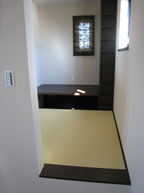 男の隠れ家(書斎) 2畳間 和紙目積表 黄金色