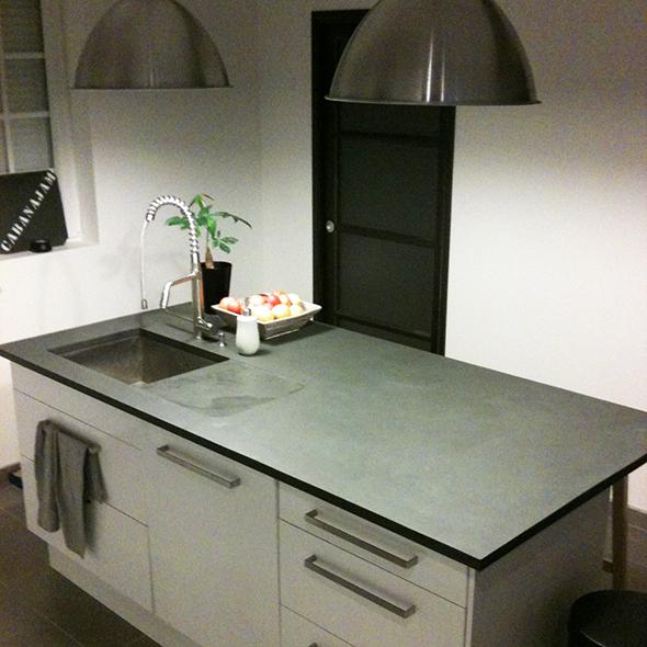 plan de travail de cuisine en ardoise grise