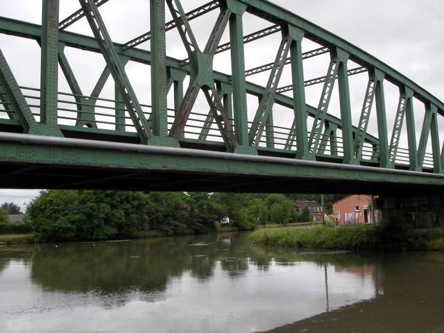 Le pont de la rue DESHAYES