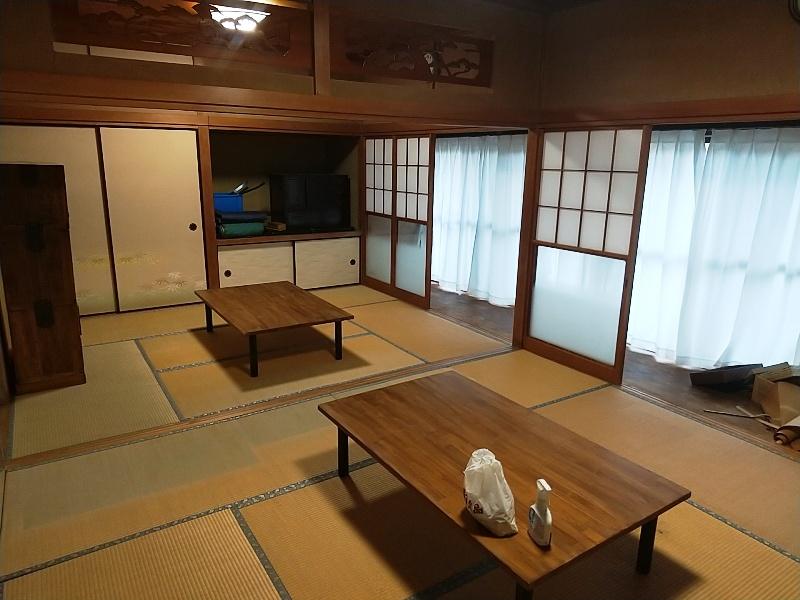屋内はきれいにリフォームされてイベントの会場としても利用されます