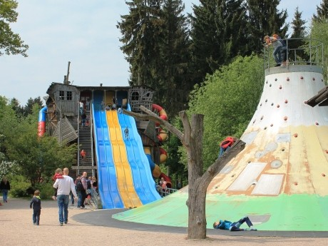 "Freizeitpark Plohn - Kletterberg & Rutschbahn ""Wilde Sau"""