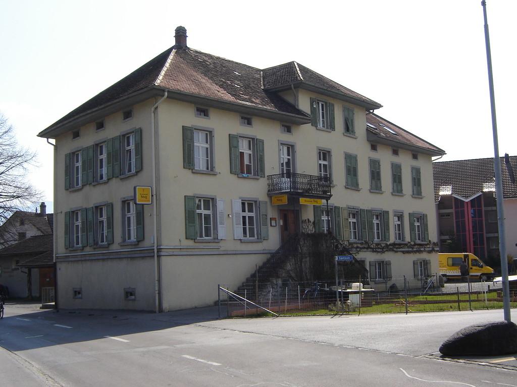 """Einst Stickfabrik - später Restaurant """"Steg"""" - heute Wohnhaus"""