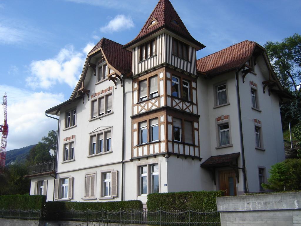 Einst: Schifflistickerei Meier. Heute. Mehrfamilienwohnhaus
