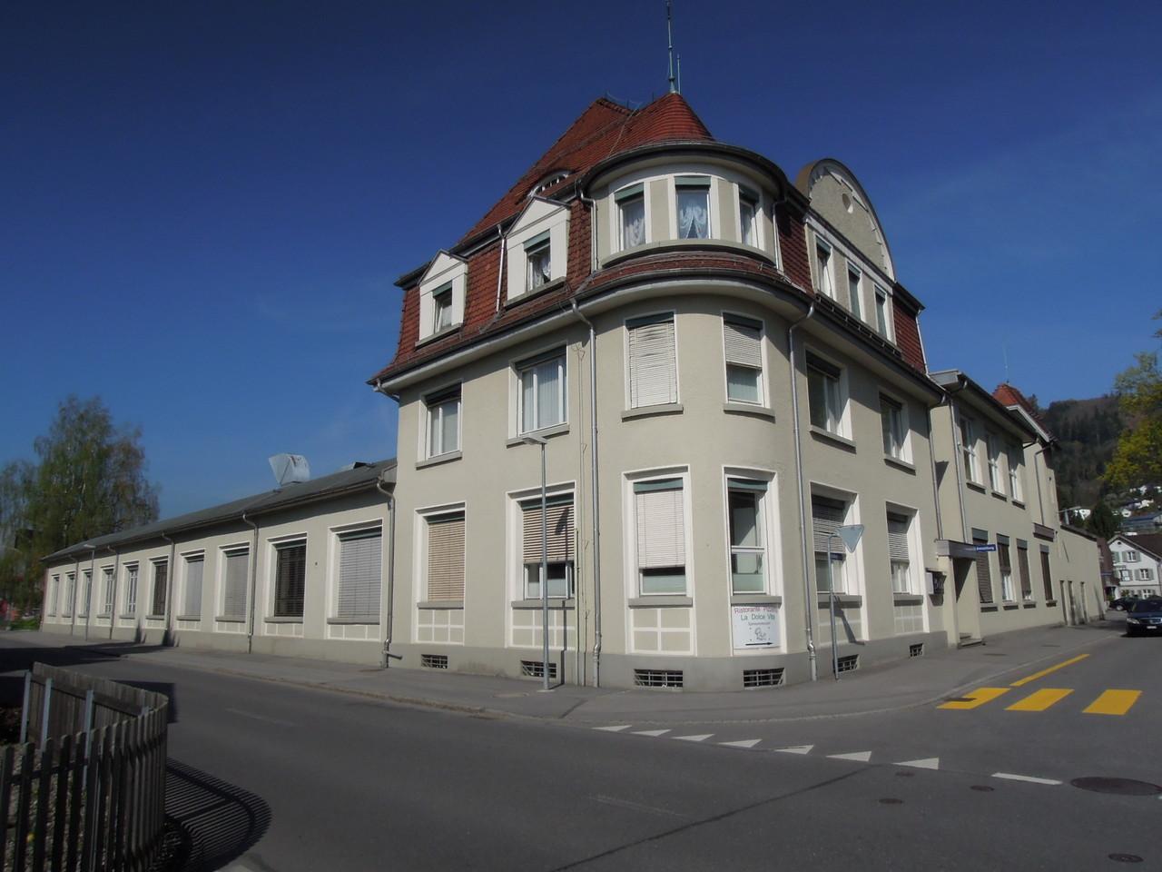 """Architekt Labonté baute für den """"Roten Ferdi"""" eine Stickereifabrik."""
