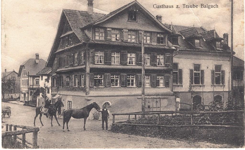 Gasthaus zur Traube mit Schmitte und Saal darüber