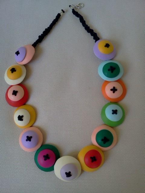 collana con bottoni  realizzati a mano