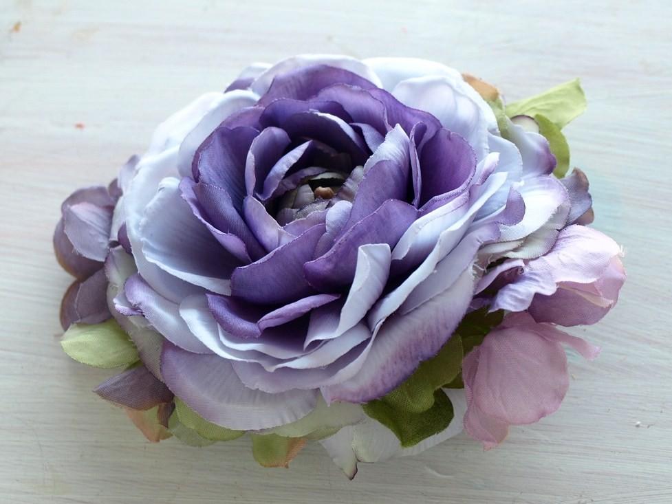 27 ネオラナンキュラスと紫陽花のコサージュ