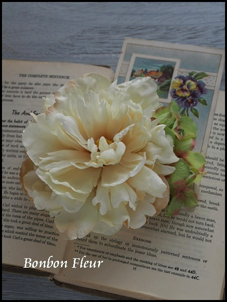 119 ピオニアと紫陽花のコサージュ